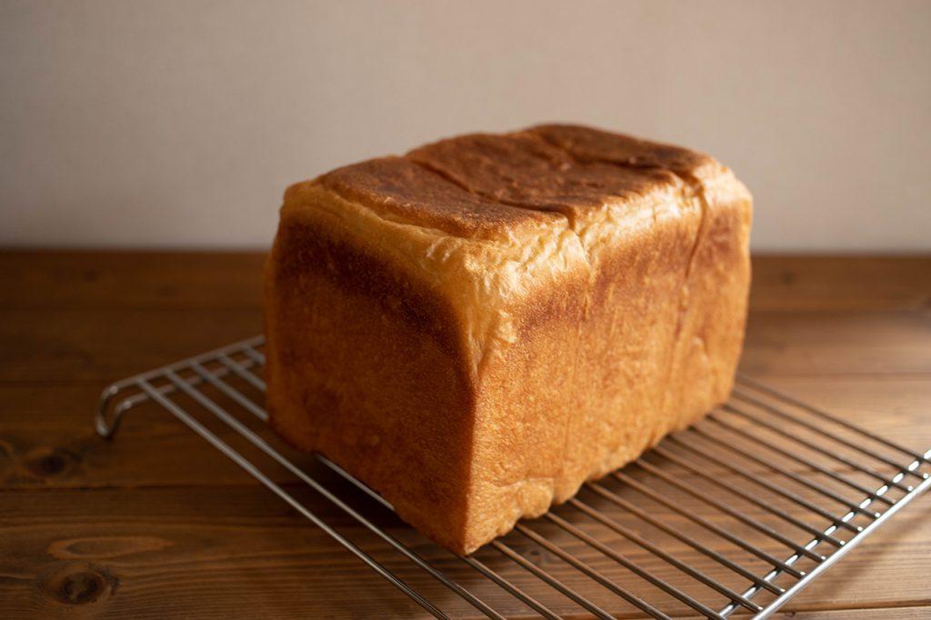 レーズン酵母で角食パン